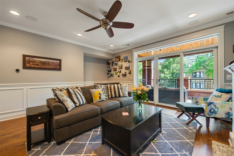 Real Estate Photography - 1308 W. Addison St., 2W, Chicago, IL, 60613 - Living Room