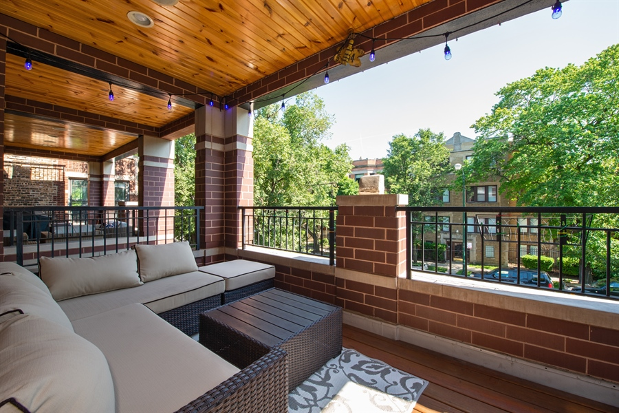 Real Estate Photography - 1308 W. Addison St., 2W, Chicago, IL, 60613 - Balcony