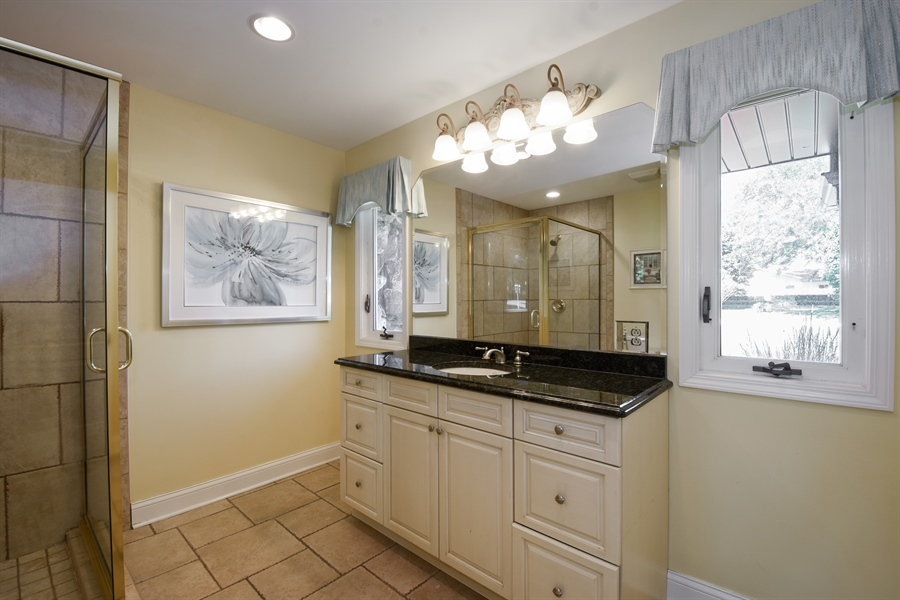Real Estate Photography - 2 John Dr, Hawthorn Woods, IL, 60047 - 3rd Bathroom