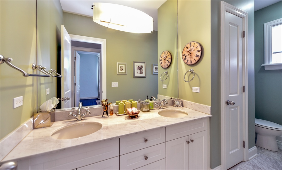 Real Estate Photography - 2340 W Wabansia, D, Chicago, IL, 60647 - Bathroom