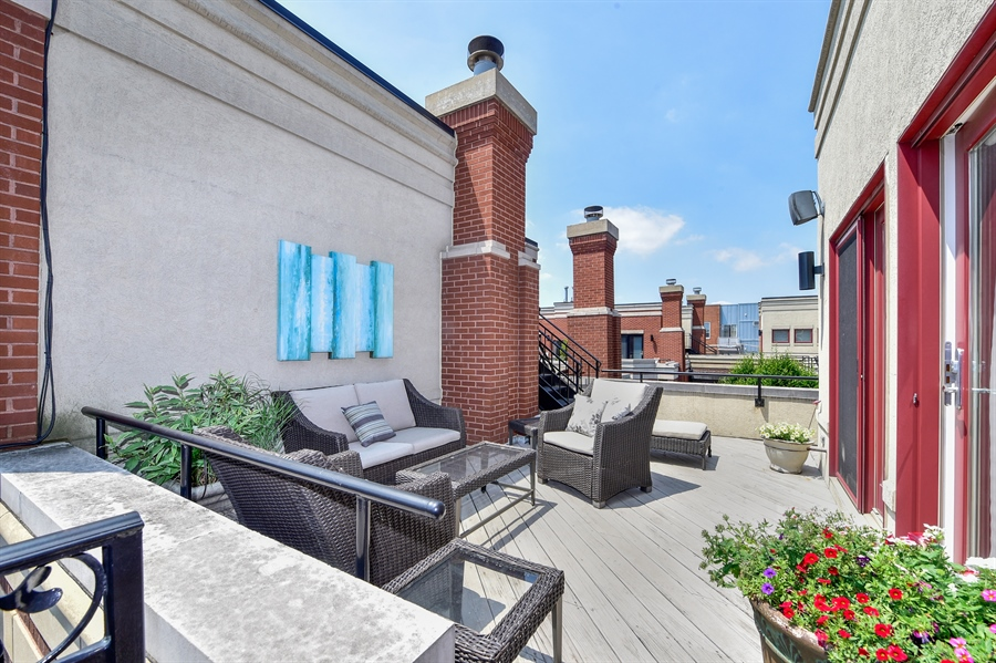 Real Estate Photography - 2340 W Wabansia, D, Chicago, IL, 60647 - Roof Top Deck