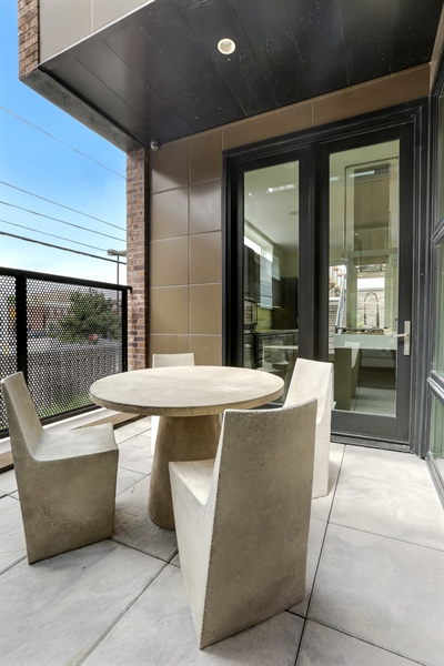 Real Estate Photography - 1544 West Henderson Street, Chicago, IL, 60657 - Main Floor Patio