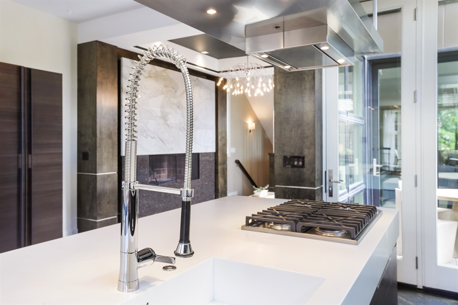 Real Estate Photography - 1544 West Henderson Street, Chicago, IL, 60657 - Kitchen - 4th View
