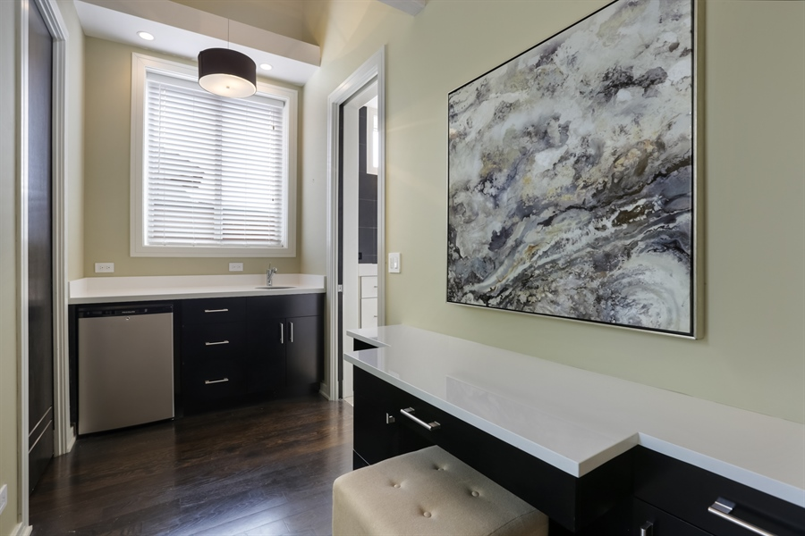Real Estate Photography - 1544 West Henderson Street, Chicago, IL, 60657 - Master Bedroom Dressing Area / Wet Bar