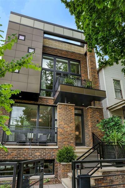 Real Estate Photography - 1544 West Henderson Street, Chicago, IL, 60657 - Front View