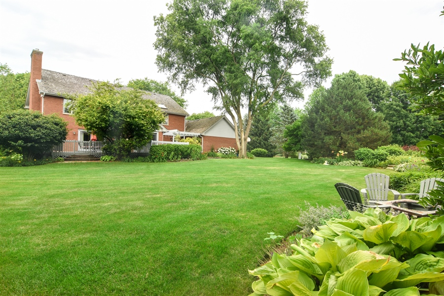 Real Estate Photography - 6 university, Hawthorn Woods, IL, 60047 - Back Yard