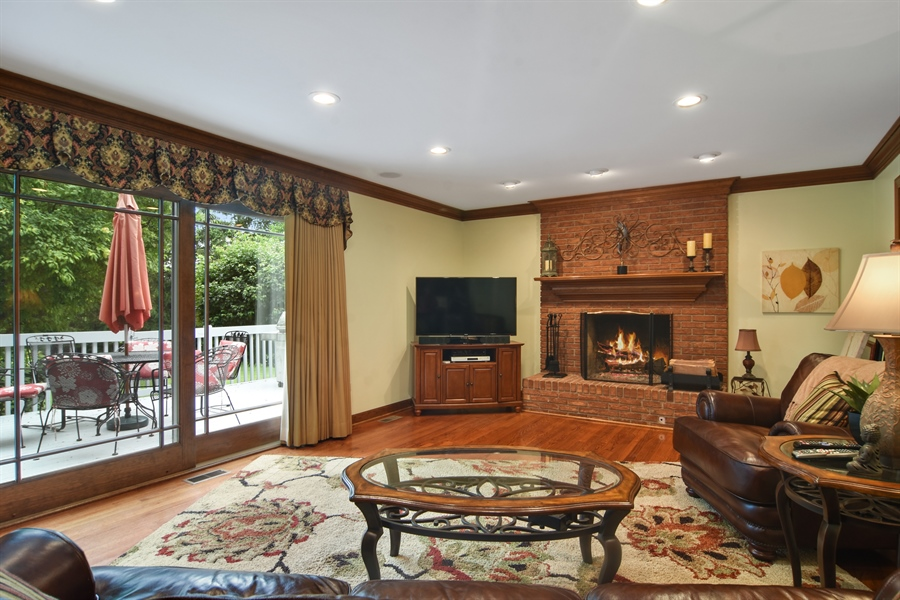 Real Estate Photography - 6 university, Hawthorn Woods, IL, 60047 - Family Room
