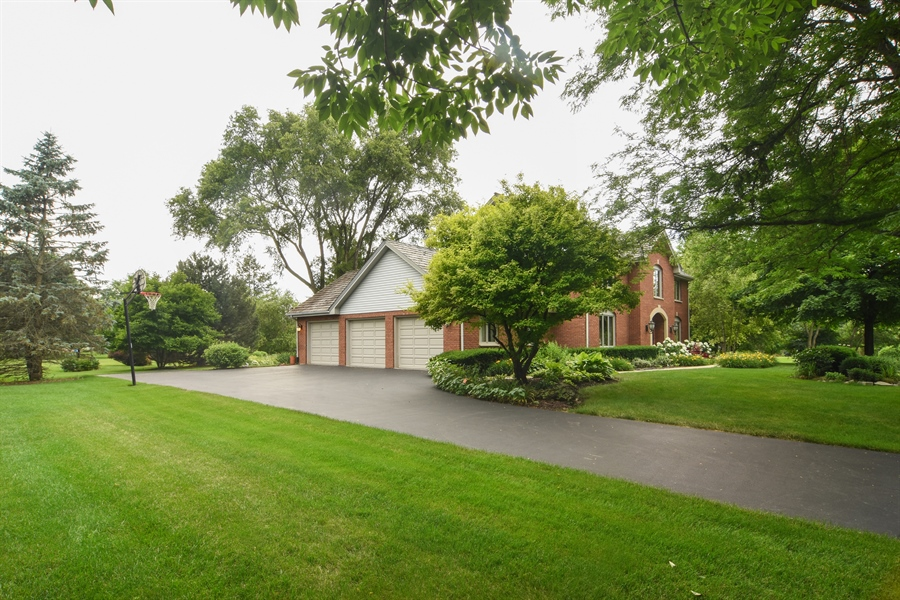 Real Estate Photography - 6 university, Hawthorn Woods, IL, 60047 - Side View
