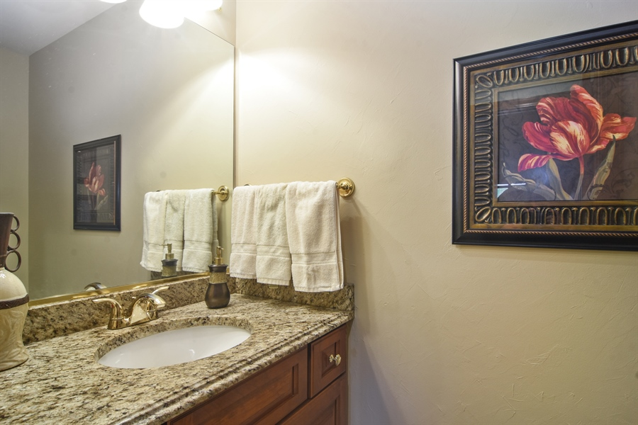 Real Estate Photography - 6 university, Hawthorn Woods, IL, 60047 - Half Bath