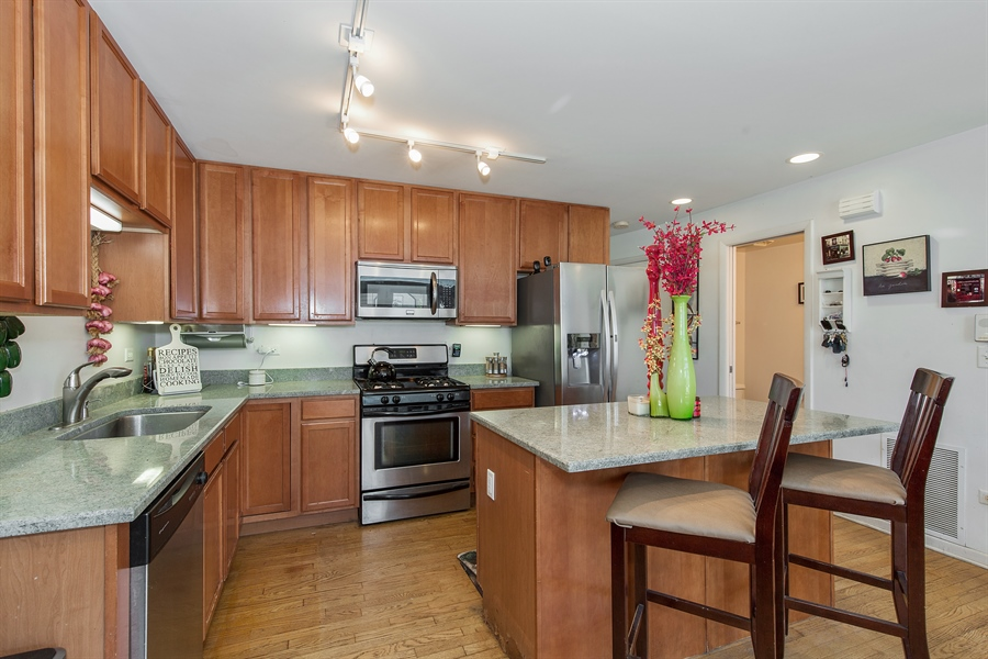 Real Estate Photography - 2419 W Gladys, Chicago, IL, 60612 - Kitchen