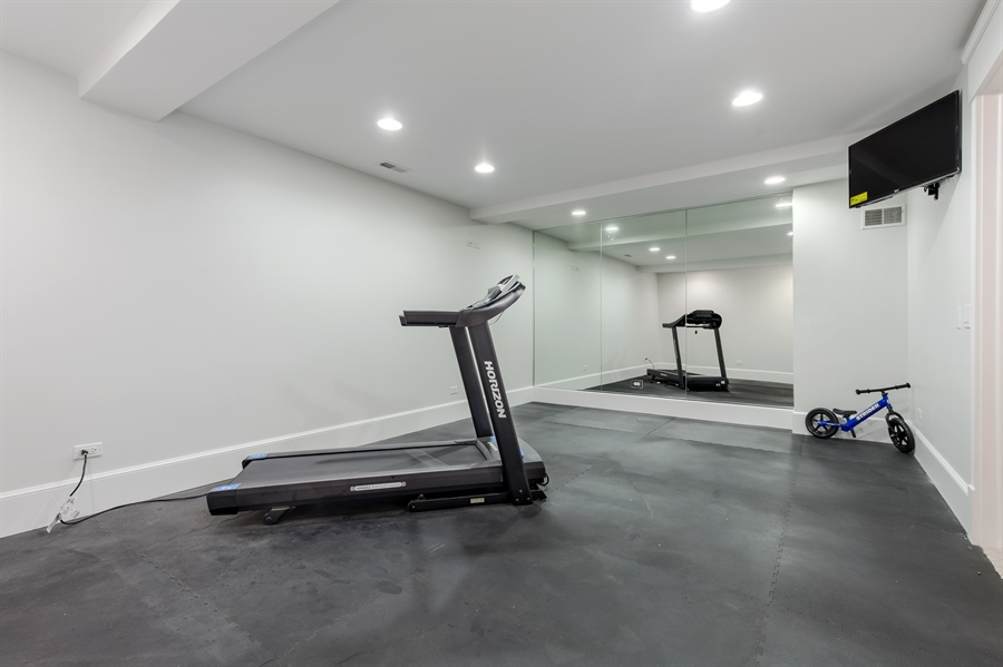 Real Estate Photography - 978 Cherry, Winnetka, IL, 60093 - Exercise Room