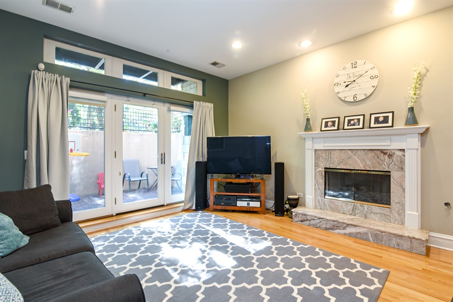 Real Estate Photography - 4226 N. Ashland Ave., 1A, Chicago, IL, 60613 - Living Room