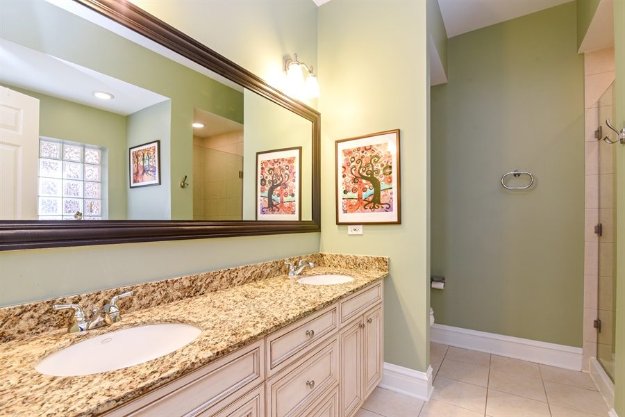 Real Estate Photography - 4226 N. Ashland Ave., 1A, Chicago, IL, 60613 - Master Bathroom