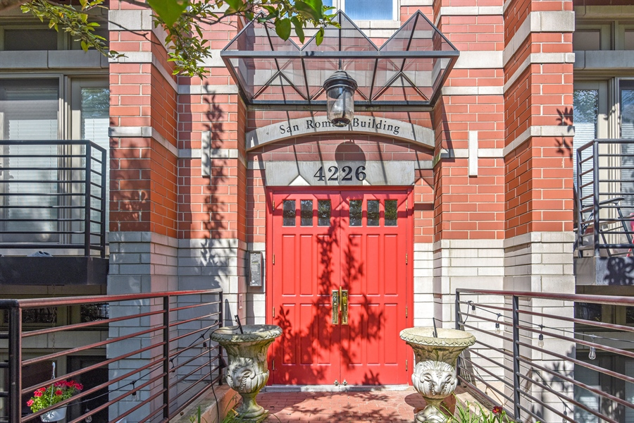 Real Estate Photography - 4226 N. Ashland Ave., 1A, Chicago, IL, 60613 - Front View
