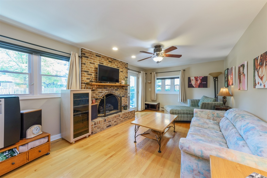 Real Estate Photography - 619 W Fairview, Arlington Heights, IL, 60005 - Family Room