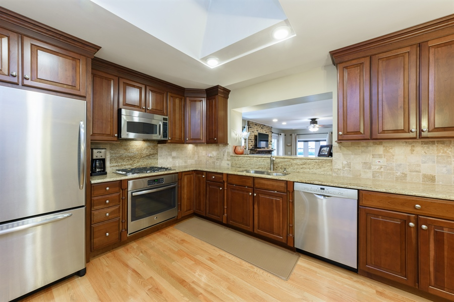 Real Estate Photography - 619 W Fairview, Arlington Heights, IL, 60005 - Kitchen