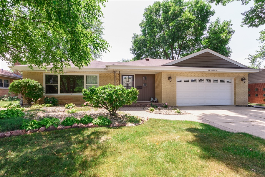 Real Estate Photography - 619 W Fairview, Arlington Heights, IL, 60005 - Front View