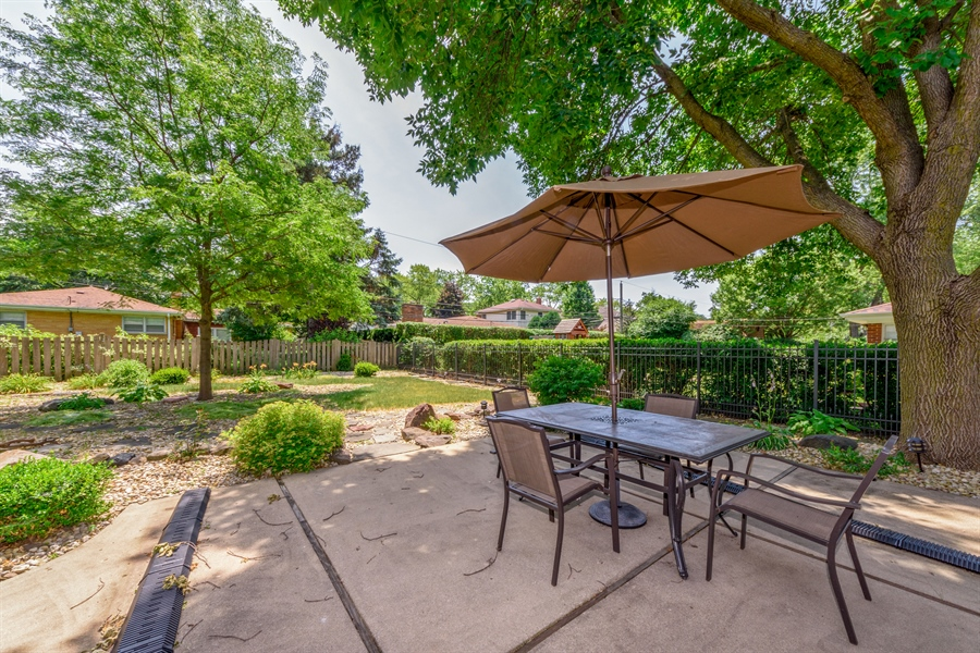 Real Estate Photography - 619 W Fairview, Arlington Heights, IL, 60005 - Patio