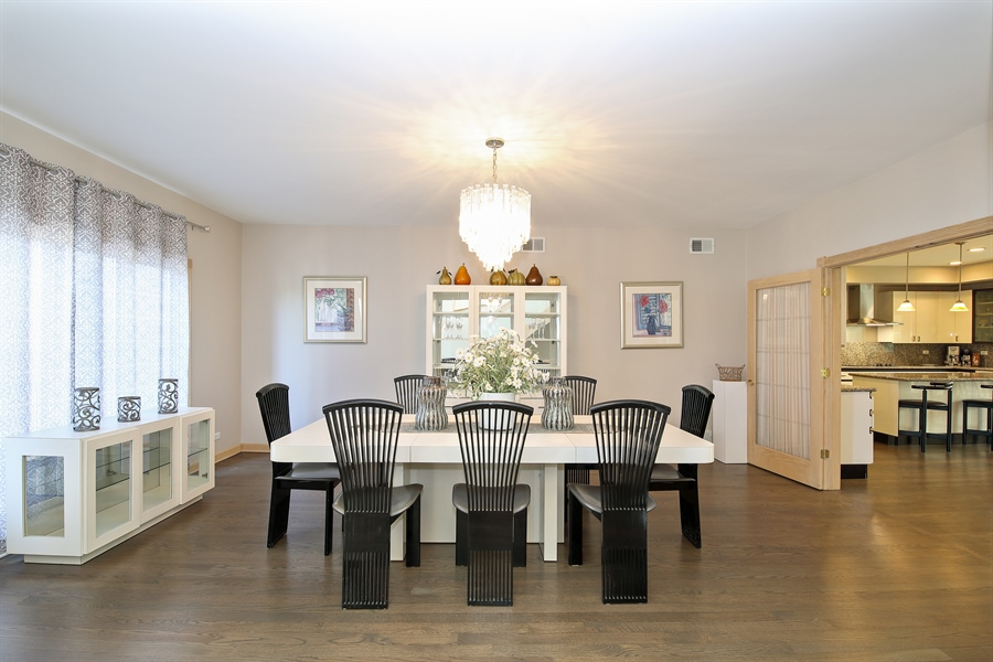 Real Estate Photography - 4307 Westview Dr, Northbrook, IL, 60062 - Dining Room