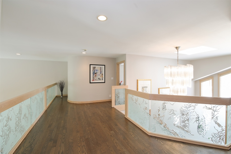 Real Estate Photography - 4307 Westview Dr, Northbrook, IL, 60062 - Loft