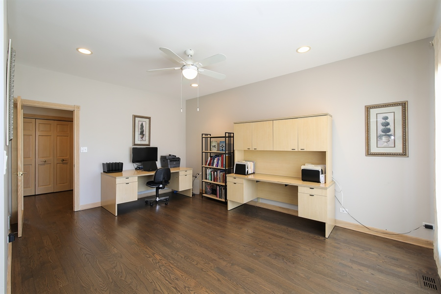 Real Estate Photography - 4307 Westview Dr, Northbrook, IL, 60062 - Office