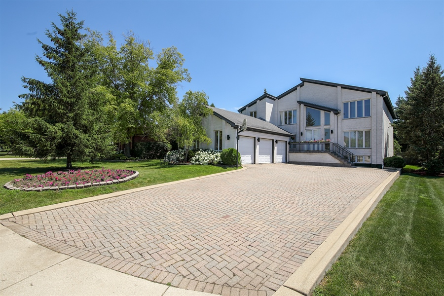 Real Estate Photography - 4307 Westview Dr, Northbrook, IL, 60062 - Front View