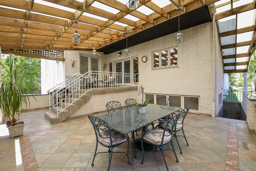 Real Estate Photography - 4307 Westview Dr, Northbrook, IL, 60062 - Patio