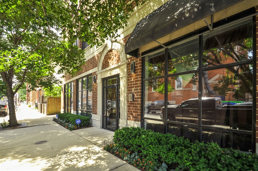 Real Estate Photography - 742 N. Ada Street, 1S, Chicago, IL, 60642 - Front View