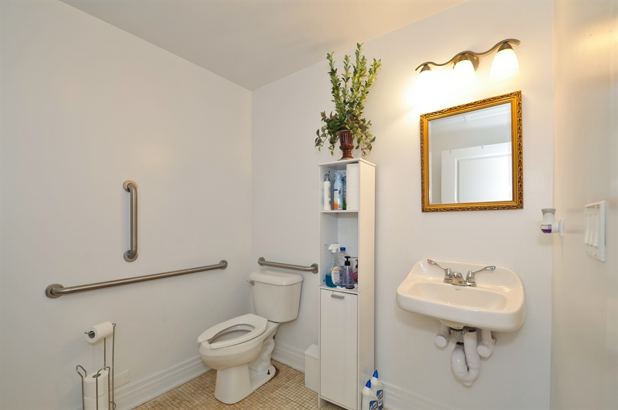Real Estate Photography - 742 N. Ada Street, 1S, Chicago, IL, 60642 - Bathroom