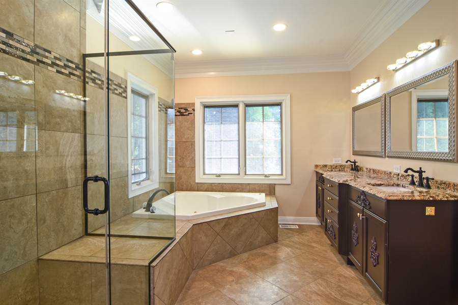 Real Estate Photography - 2227 W Lincoln St., Mount Prospect, IL, 60056 - Master Bathroom