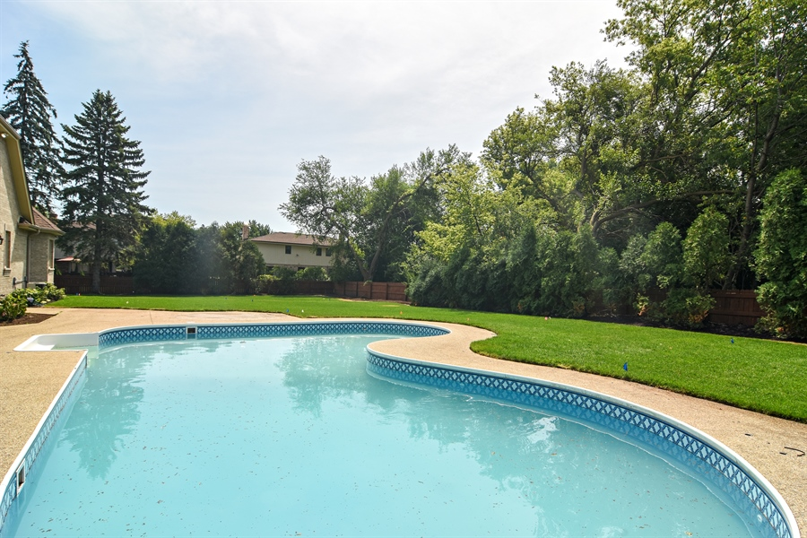 Real Estate Photography - 2227 W Lincoln St., Mount Prospect, IL, 60056 - Pool
