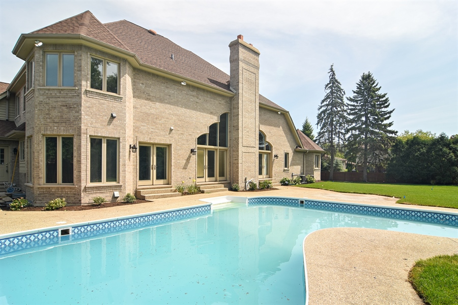 Real Estate Photography - 2227 W Lincoln St., Mount Prospect, IL, 60056 - Rear View