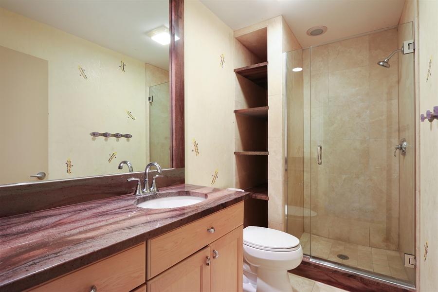 Real Estate Photography - 9 Bannockburn Ct, Bannockburn, IL, 60015 - 4th Bed Bath