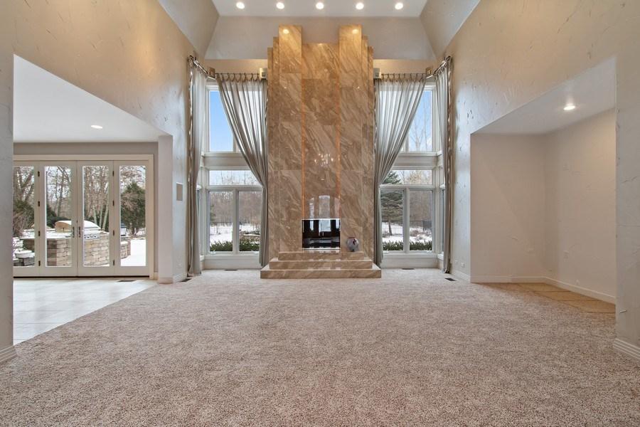 Real Estate Photography - 9 Bannockburn Ct, Bannockburn, IL, 60015 - Living Room