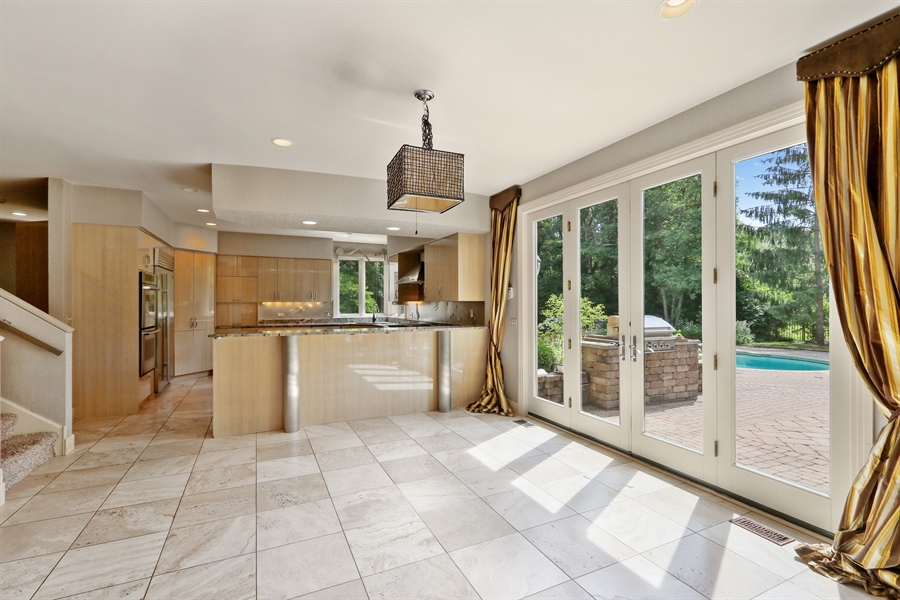 Real Estate Photography - 9 Bannockburn Ct, Bannockburn, IL, 60015 - Kitchen