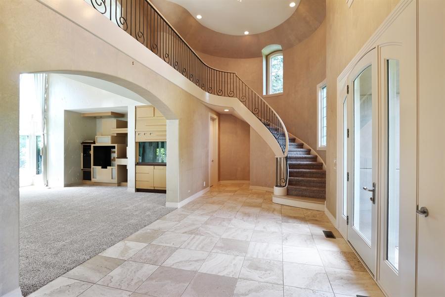 Real Estate Photography - 9 Bannockburn Ct, Bannockburn, IL, 60015 - Foyer