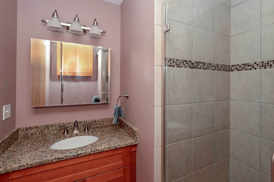 Real Estate Photography - 757 Lincoln Ave, Lake Bluff, IL, 60044 - Bathroom
