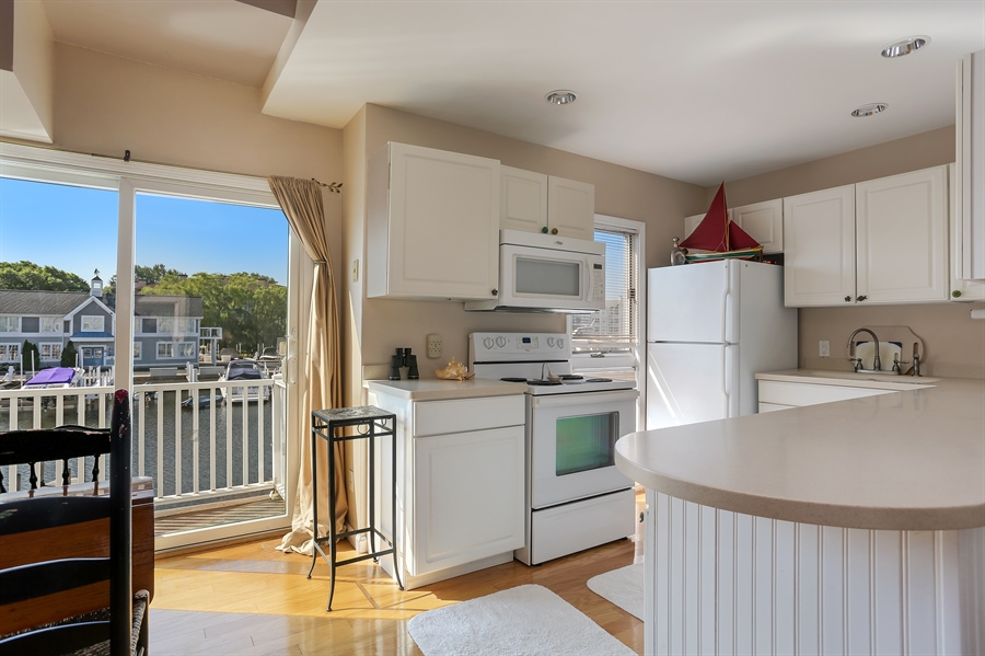 Real Estate Photography - 41 Landings Blvd, New Buffalo, MI, 49117 - Kitchen