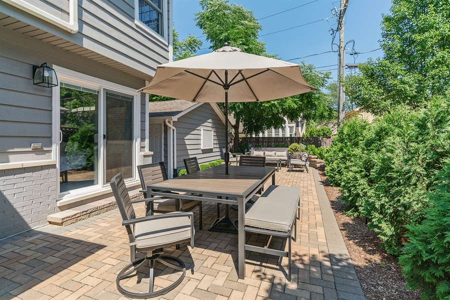 Real Estate Photography - 201 S Monroe St, Hinsdale, IL, 60521 - Patio