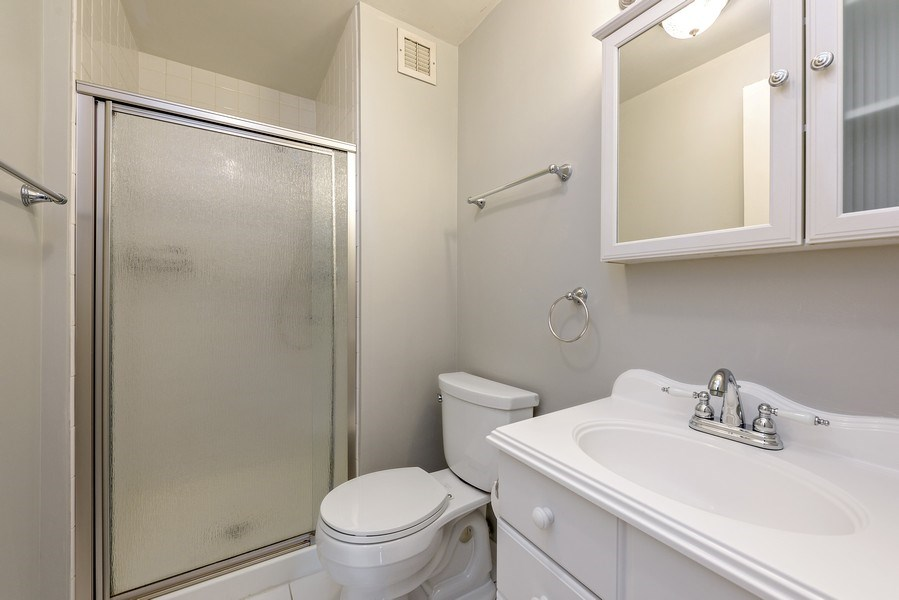 Real Estate Photography - 1415 N Dearborn, 8B, Chicago, IL, 60610 - 2nd Bathroom