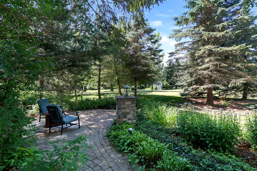 Real Estate Photography - 1680 Ridge Rd, Lake Forest, IL, 60045 - Back Yard