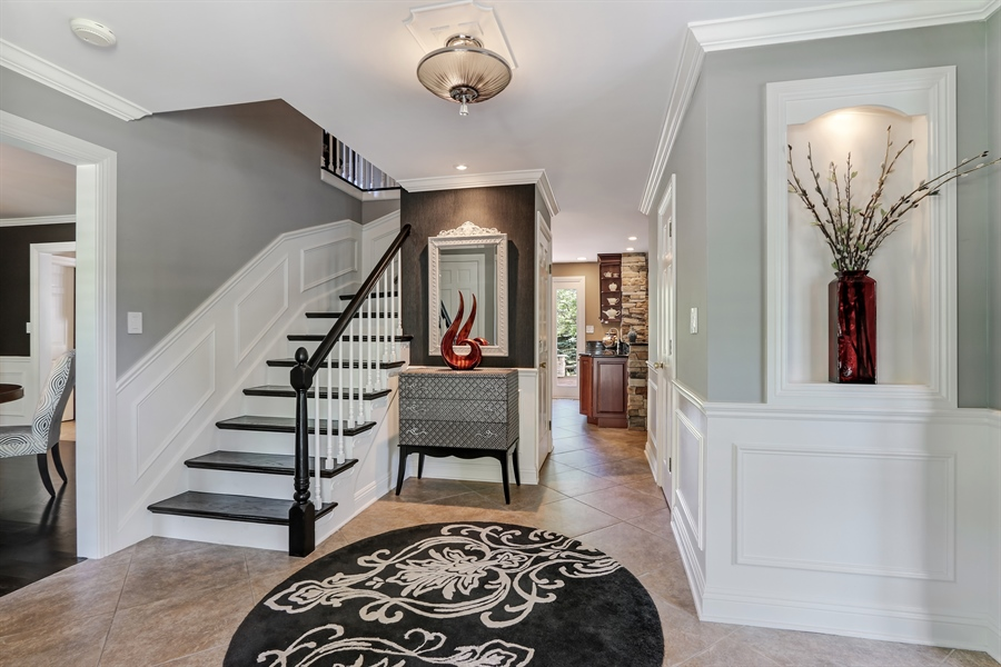 Real Estate Photography - 1680 Ridge Rd, Lake Forest, IL, 60045 - Foyer