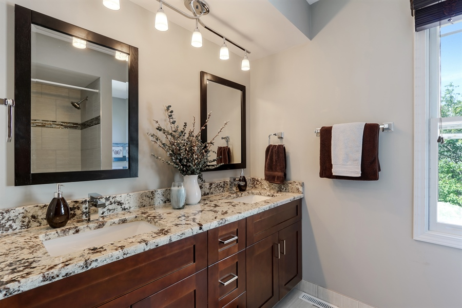 Real Estate Photography - 1680 Ridge Rd, Lake Forest, IL, 60045 - 2nd Bathroom