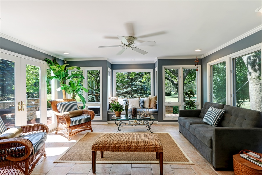 Real Estate Photography - 1680 Ridge Rd, Lake Forest, IL, 60045 - Sun Room