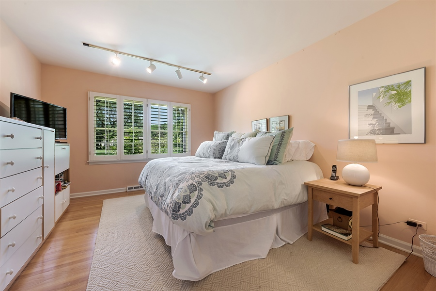 Real Estate Photography - 125 Red Barn Ln, Northfield, IL, 60093 - 3rd Bedroom