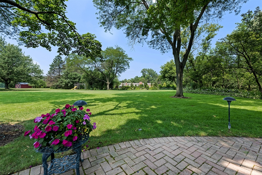 Real Estate Photography - 125 Red Barn Ln, Northfield, IL, 60093 - Back Lawn