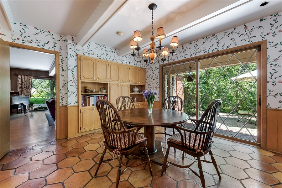 Real Estate Photography - 125 Red Barn Ln, Northfield, IL, 60093 - Breakfast Area