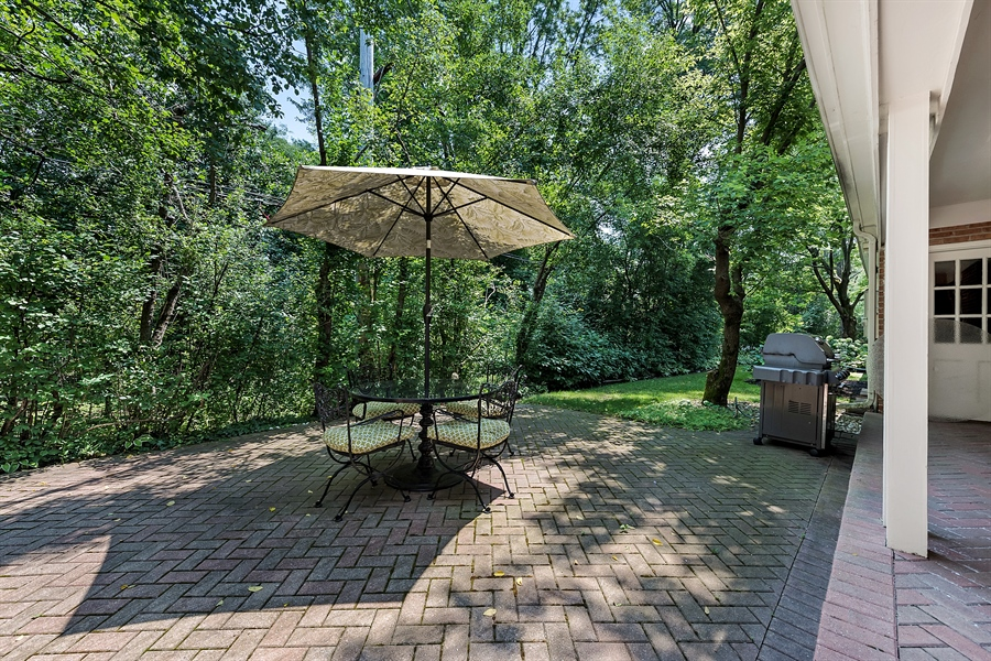 Real Estate Photography - 125 Red Barn Ln, Northfield, IL, 60093 - Deck