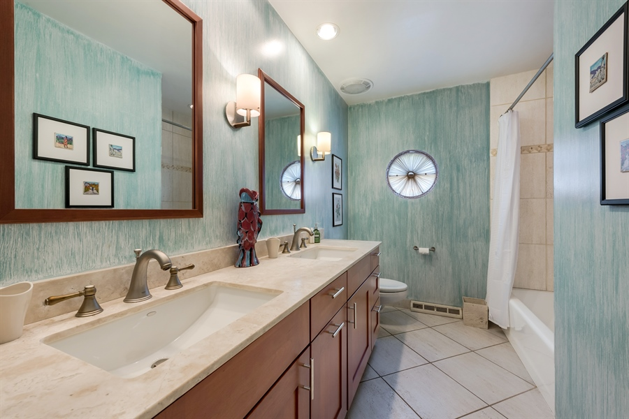 Real Estate Photography - 125 Red Barn Ln, Northfield, IL, 60093 - 2nd Bathroom