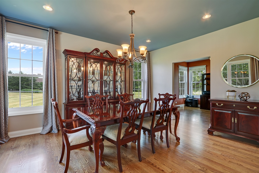 Real Estate Photography - 812 Foxmoor Ln, Lake Zurich, IL, 60047 - Dining Room